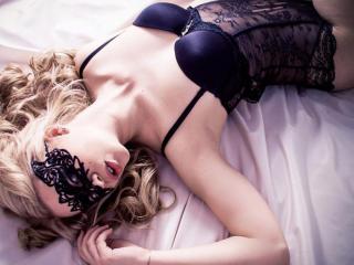 Sexy nude photo of DreamMila69