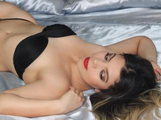 ValerySains - Sexy live show with sex cam on XloveCam®