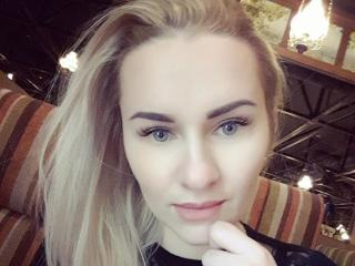 LunnaSky - online chat x with a platinum hair Sexy babes