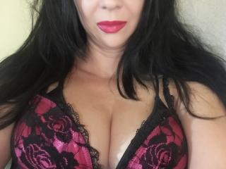 RanyLorena - Webcam live sexy with this well built Lady over 35