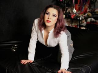WantedSwitchForU - online show hot with a European Dominatrix