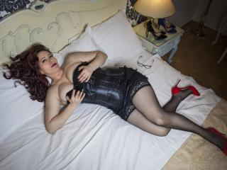 HairySonia - Chat cam sexy with this redhead Lady over 35