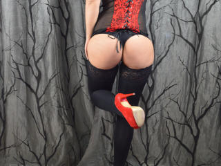 NastyliciousX - Chat live hot with this European Hot chicks