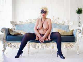 LydiaColes - Show sexy et webcam hard sex en direct sur XloveCam®