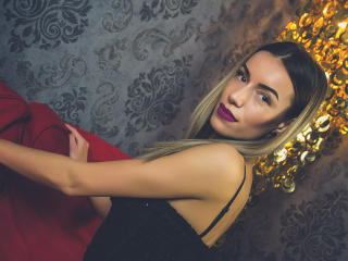Nataacha - Sexy live show with sex cam on XloveCam®