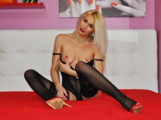 Tamyrra - online show hot with this shaved private part Young lady