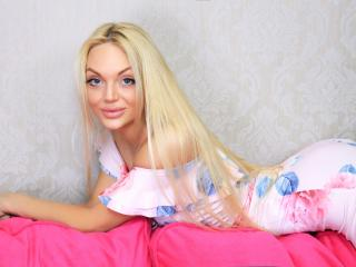 BiancaV - Chat live sex with this blond Sexy babes