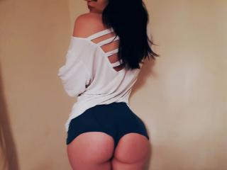 LeonaForReal - Live nude with this average body Sexy babes