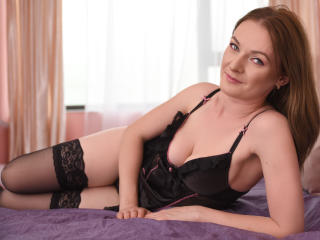 AnayaDown - Webcam live sex with a so-so figure Young and sexy lady