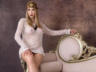 LadyLea - Chat cam sexy with this light-haired Lady over 35