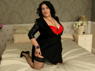 MatureRoxanne - Web cam hot with this shaved genital area Lady over 35