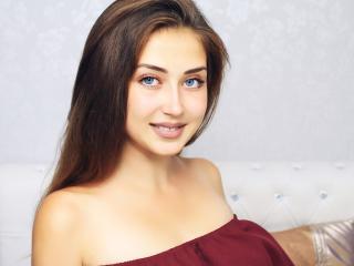 Foto del profilo sexy della modella VikiMeoow, per uno show live webcam molto piccante!