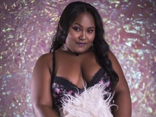 AkiraTaylor - Show sex with this hot body Horny lady