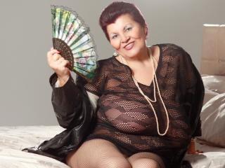 MatureMaidenX - Live cam sex with a full figured MILF