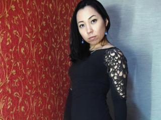 Photo de profil sexy du modèle EastStarDiana, pour un live show webcam très hot !