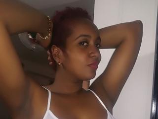Photo de profil sexy du modèle KeiraOdele, pour un live show webcam très hot !
