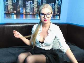 Photo de profil sexy du modèle LinaSexGodess, pour un live show webcam très hot !