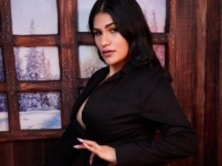 MilkaKaty - Webcam nude with this brunet Girl