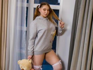 FluffyMolly - Chat cam xXx with this amber hair Sexy girl