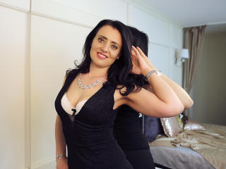 Photo de profil sexy du modèle LaurenNewton, pour un live show webcam très hot !
