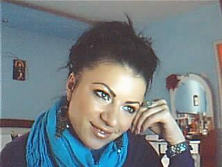Photo de profil sexy du modèle KittyKitty, pour un live show webcam très hot !