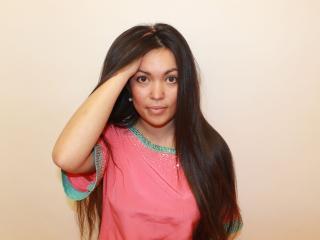 Photo de profil sexy du modèle ZoriniaNignt, pour un live show webcam très hot !
