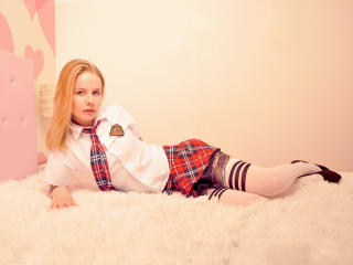 AliceVirgin - Webcam exciting with this regular chest size Hot babe