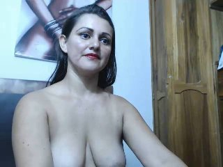 Picture of the sexy profile of HotSweetie69, for a very hot webcam live show !